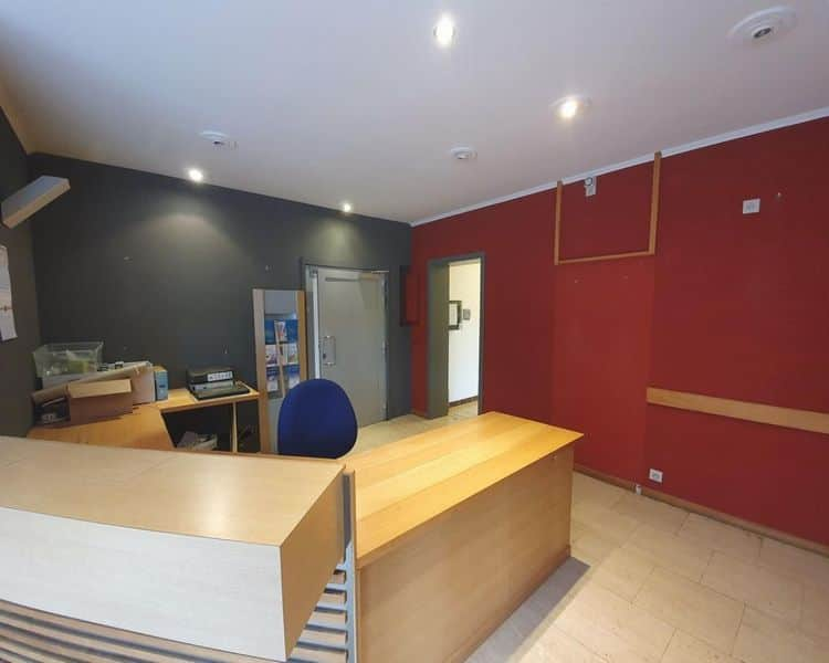 Office for rent in Bomal Sur Ourthe