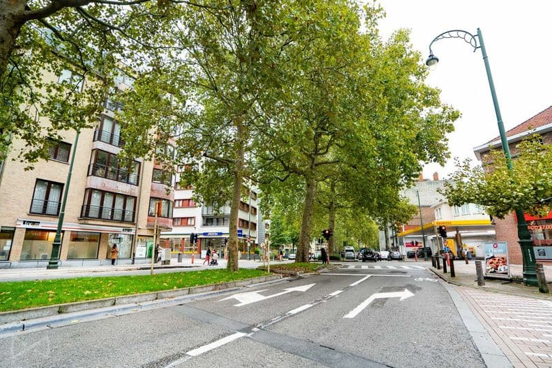 Office or business for sale in Jette