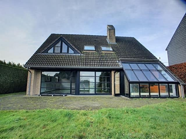 Villa for sale in Humbeek