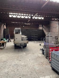 Warehouse<span>250</span>m² for rent