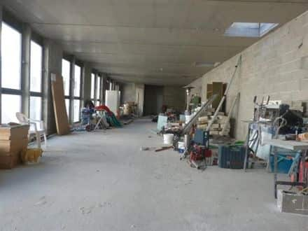 Business<span>230</span>m² for rent