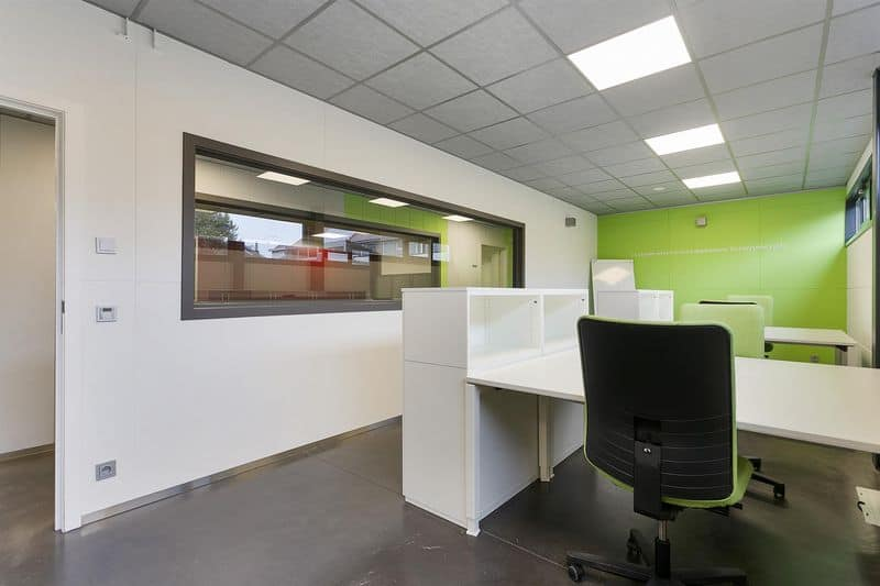 Office or business for rent in Beernem