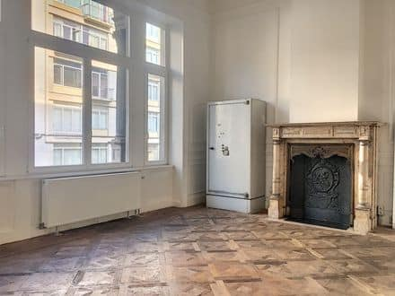 Office<span>90</span>m² for rent Brussels