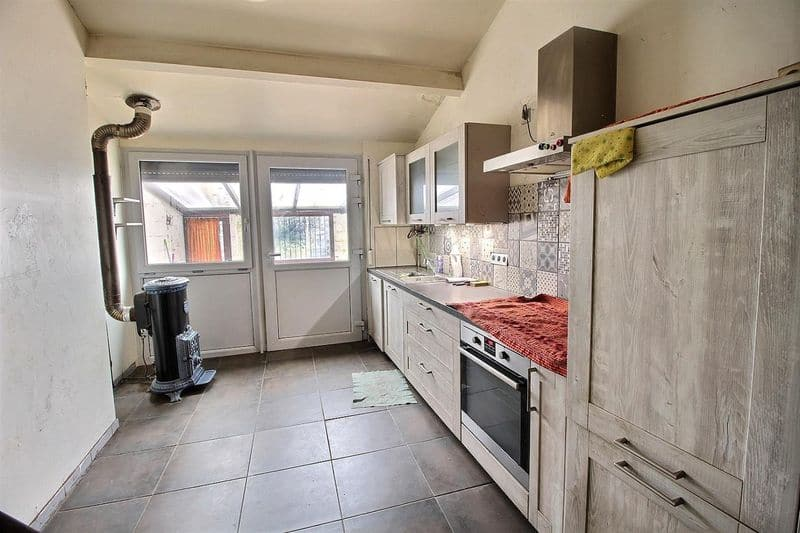 House for sale in Roux
