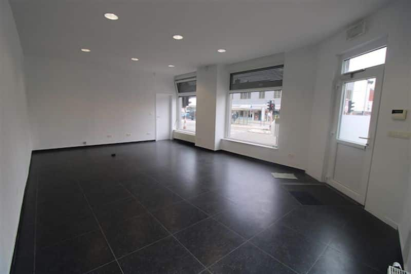 Office or business for rent in Souvret