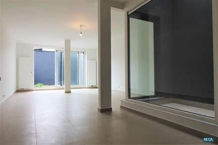 Ground floor flat<span>90</span>m² for rent