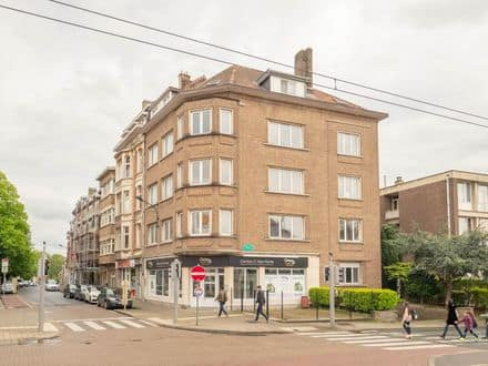 Investment property<span>550</span>m² for rent Sint Pieters Woluwe