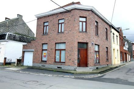 House<span>156</span>m² for rent Anderlues
