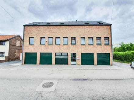 Investment property<span>150</span>m² for rent Mons