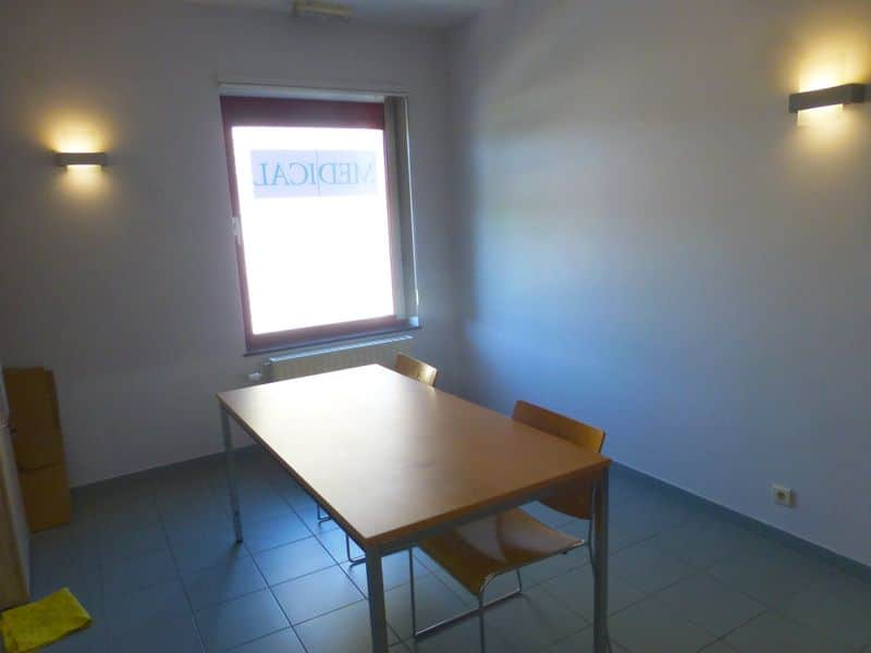 Office for rent in Couvin