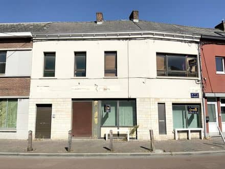 House<span>150</span>m² for rent Maurage