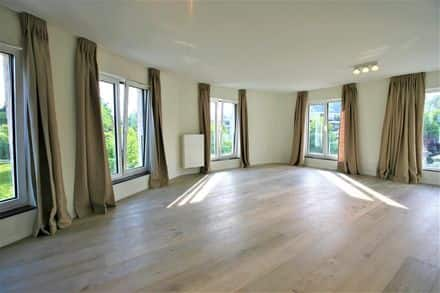 Penthouse<span>136</span>m² for rent