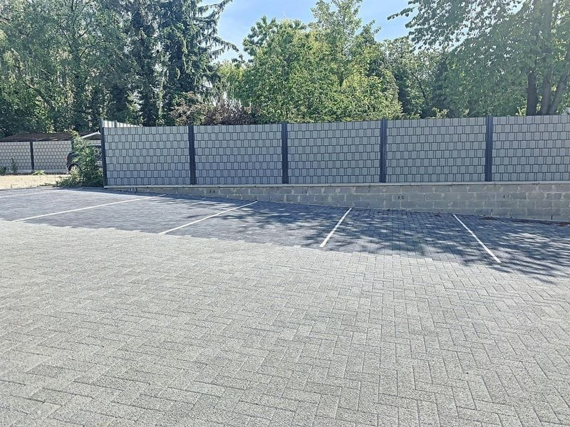 Parking space or garage for rent in Braine L Alleud