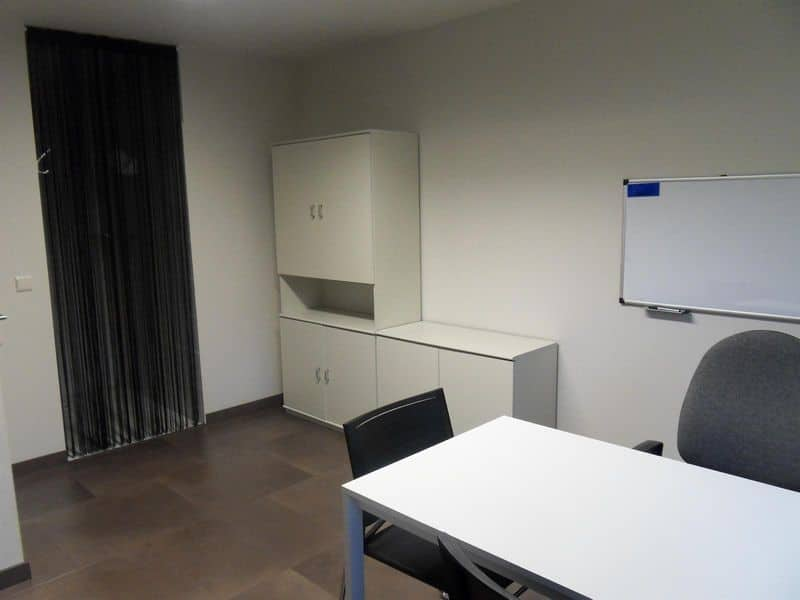 Office or business for rent in Meulebeke