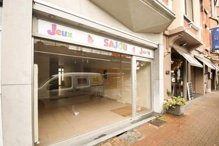 Office or business<span>90</span>m² for rent Jette