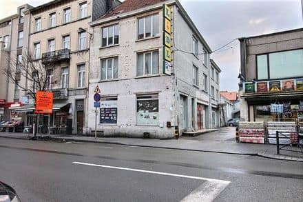 Business<span>1377</span>m² for rent