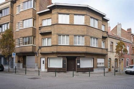 Business<span>64</span>m² for rent