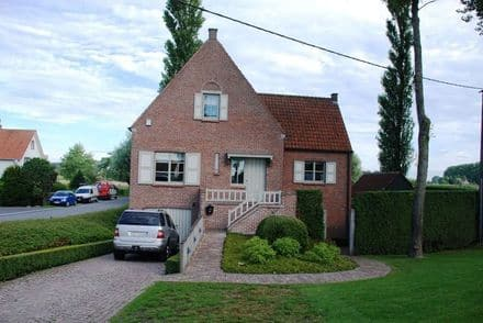 House<span>200</span>m² for rent Oostkerke