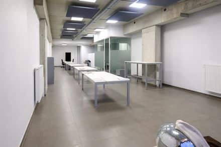 Office or business<span>136</span>m² for rent