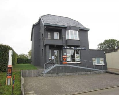 House<span>200</span>m² for rent Lierde
