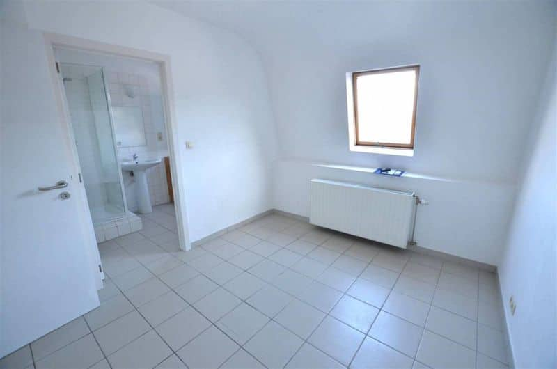 Apartment for rent in Courcelles