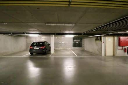 Parking ou garage<span>15</span>m² à louer