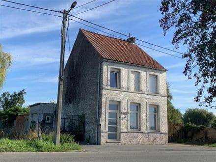 House<span>137</span>m² for rent Peruwelz