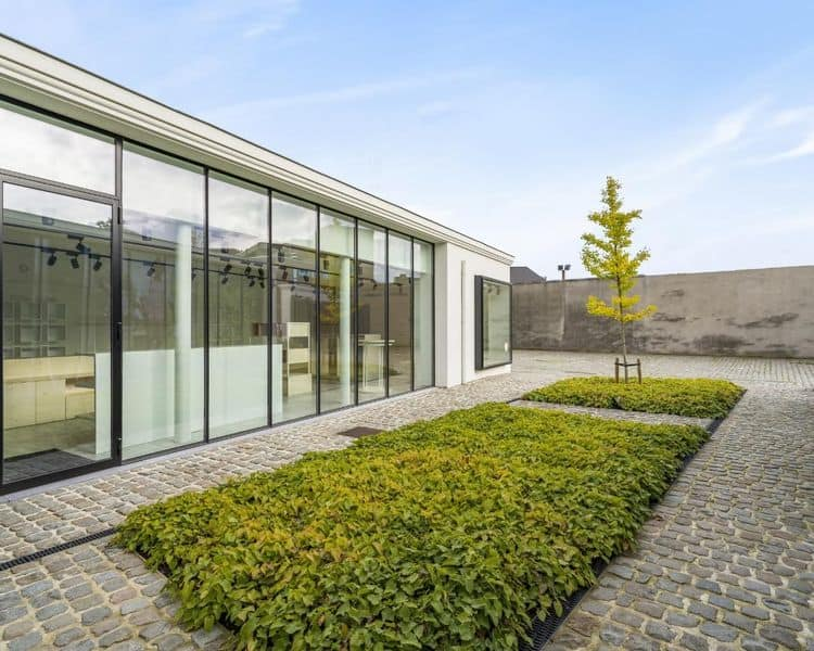 Retail space for sale in Kortrijk