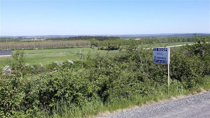 Land for sale in Hotton