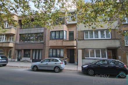 House<span>245</span>m² for rent
