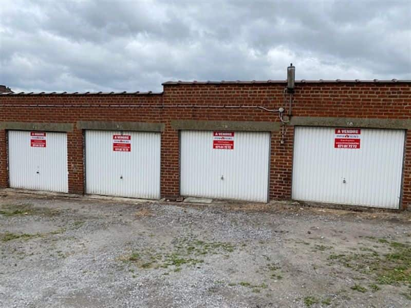 Parking space or garage for sale in Bouffioulx