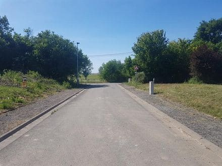 Land<span>700</span>m² for rent Ohey