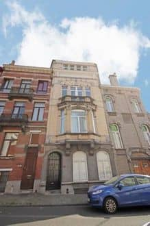 House<span>325</span>m² for rent