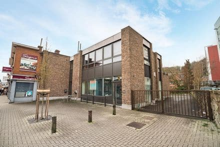 Office or business<span>267</span>m² for rent
