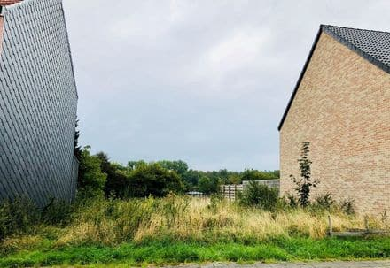 Building land<span>715</span>m² for rent
