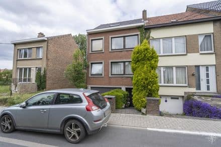 House<span>250</span>m² for rent Braine L Alleud