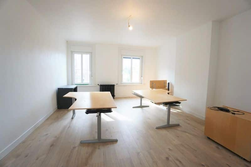 Office or business for rent in Lembeek