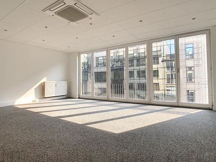 Office or business<span>82</span>m² for rent Brussels