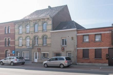House<span>364</span>m² for rent