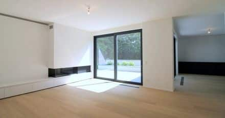 Ground floor flat<span>202</span>m² for rent