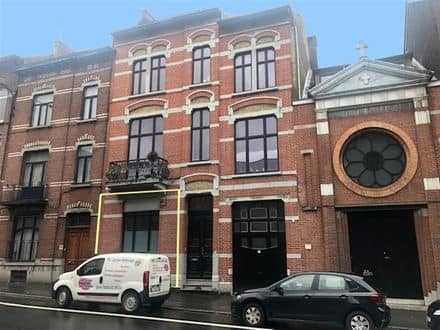 Office or business<span>100</span>m² for rent Charleroi