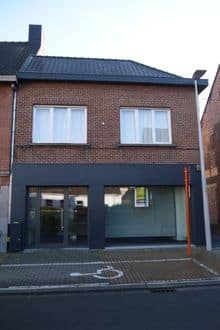 Business<span>152</span>m² for rent Nevele