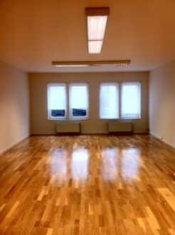 Office<span>73</span>m² for rent