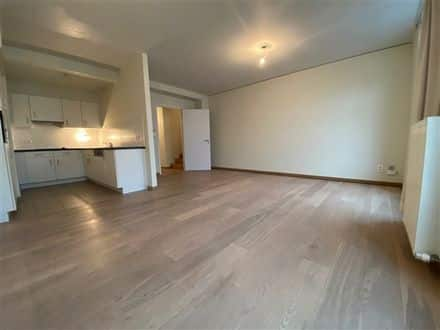 Duplex<span>90</span>m² for rent Brussels