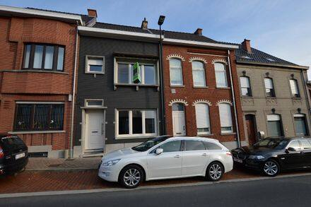 House<span>175</span>m² for rent Ronse