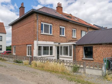 House<span>165</span>m² for rent Lubbeek