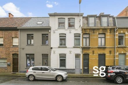 House<span>130</span>m² for rent Deinze