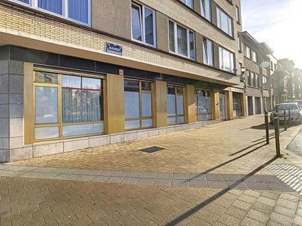 Office or business<span>160</span>m² for rent Jette