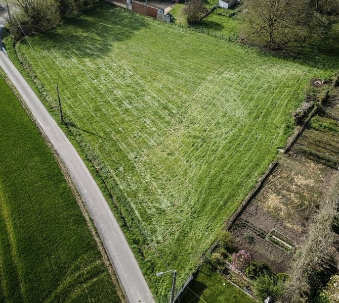 Land for sale in Neufvilles