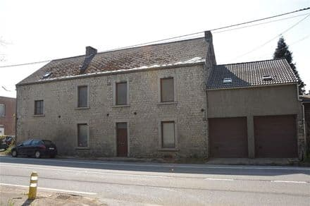 House<span>300</span>m² for rent